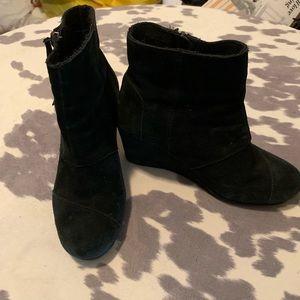 Black suede Toms - Size 7 1/2